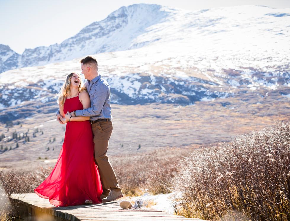 engagement-photography-colorado-snow-mountain