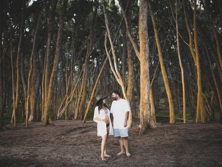 Couple's Maternity shoot in Oahu, Hawaii