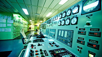 2columncard_controlroom2.jpg