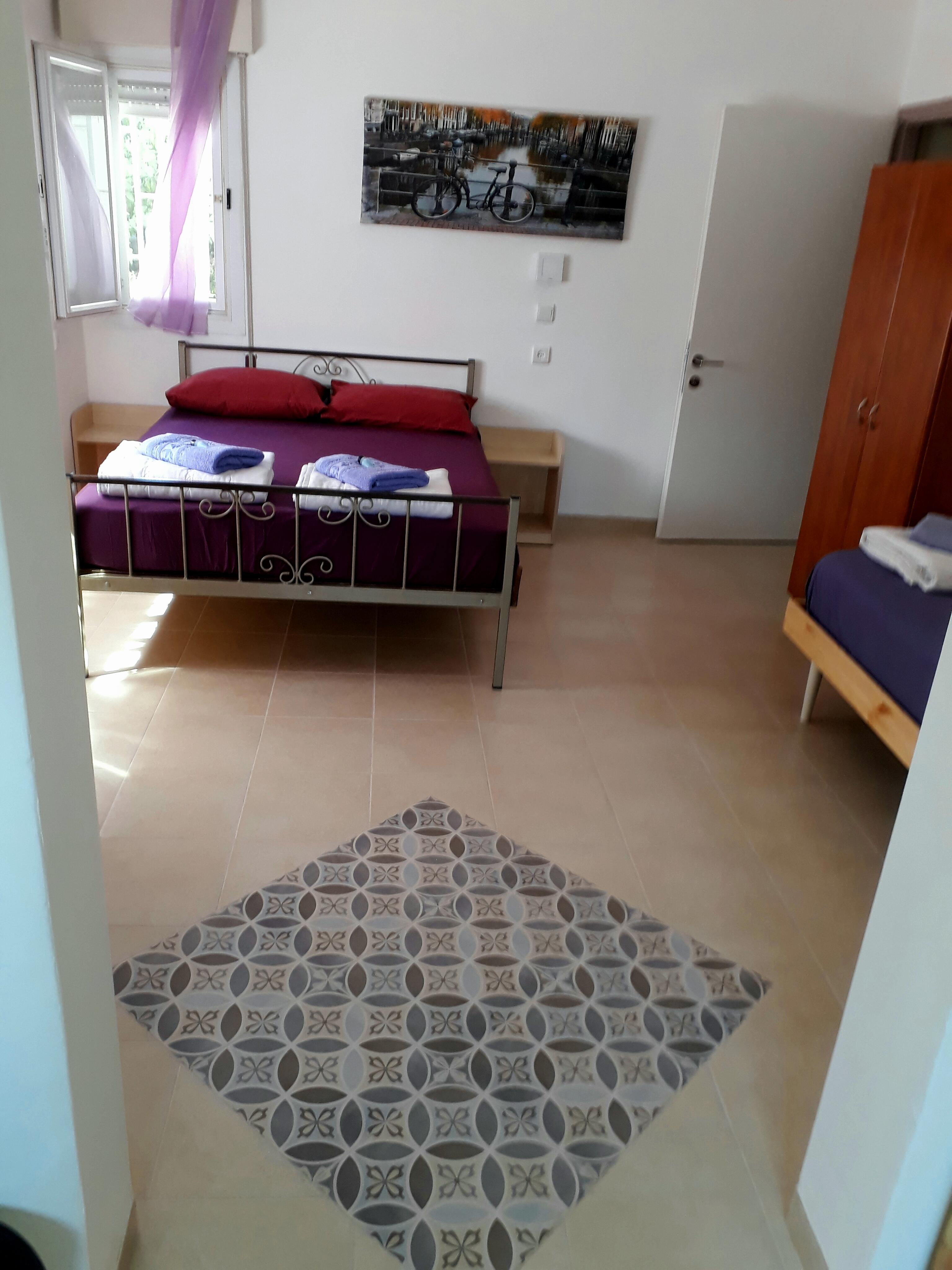 חדר למטה 1