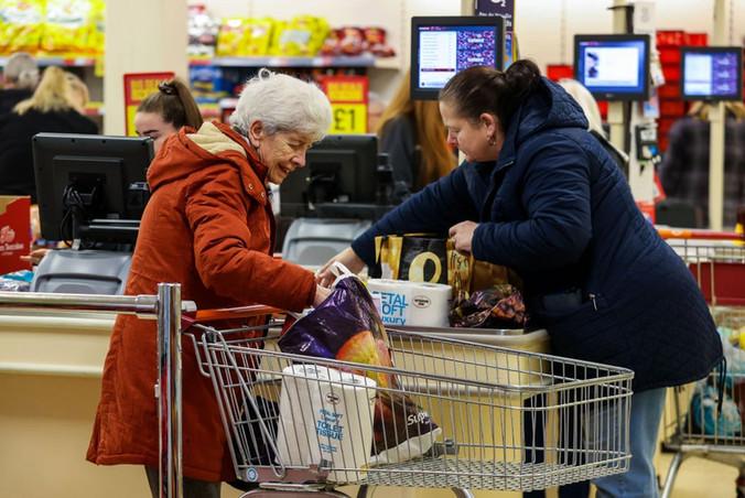 elderly-hour-shopping-coronavirus-covid-
