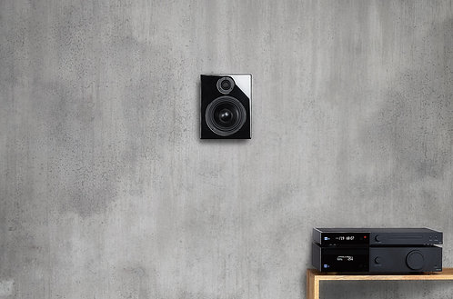 Lyngdorf 2.1 True Digital Music System with RoomPerfect