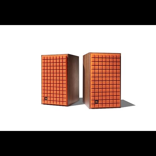 JBL L82 Classic Bookshelf Loudspeakers