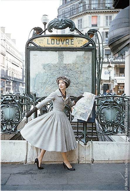 Vintage Louvre picture.jpg