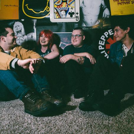 "Velvet Skyline Unveils New Single ""Circles"""