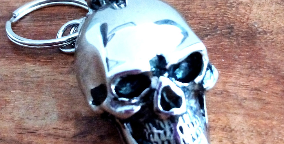 'Macabre Skull'  Chainmaille Key Chain