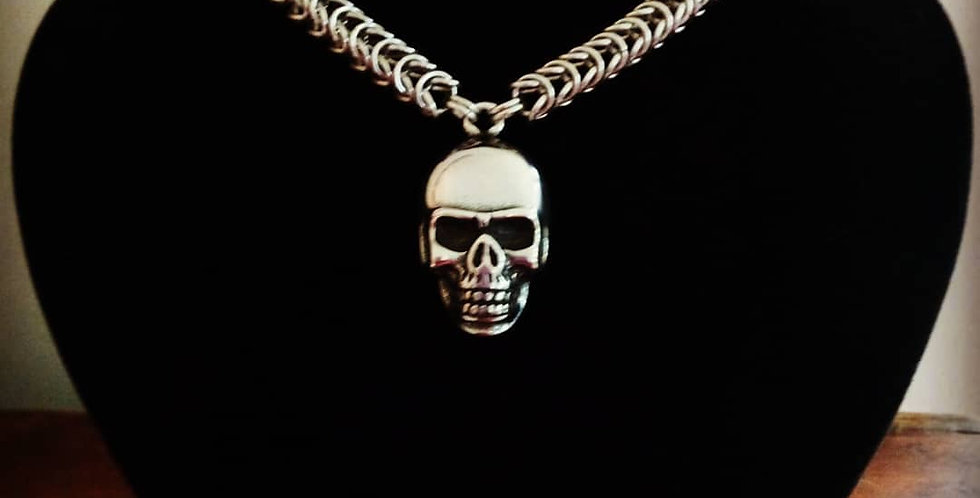 'Macabre Skull, Deluxe'  Chainmaille Necklace