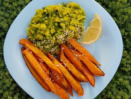 Картофель фри из батата с гуакамоле