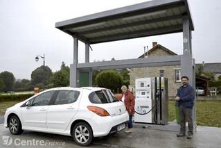 Une station-service renaît sur la route entre la Creuse et le Puy-de-Dôme (La Montagne)