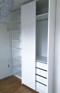 IWO closet sliding door_edited.jpg