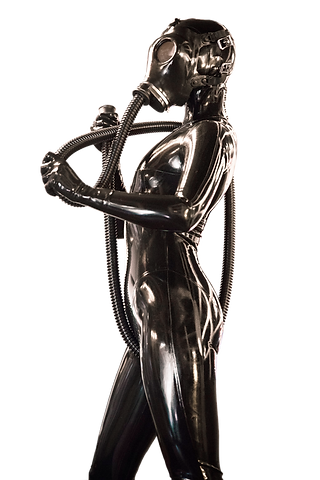 girl-in-black-latex-catsuit-20xl.png