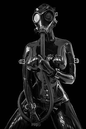 girl-in-latex-catsuit-and-gasmask.xl.png