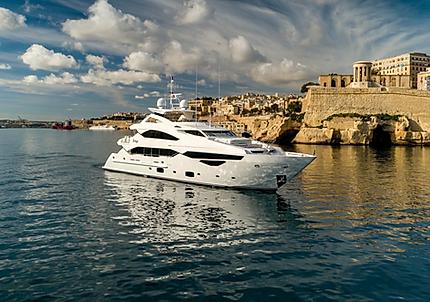 Sunseeker Yacht for Charter | WYB