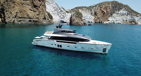 Sanlorenzo Yacht for Charter | WYB