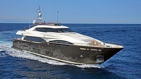 Custom Line Yacht for Charter