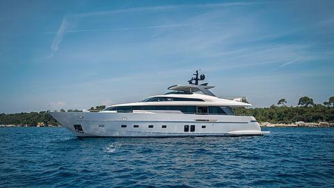 Sanlorenzo Yacht for Charter