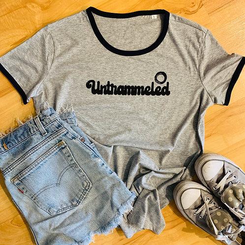 70's minimalist women's artshirt with retro trim