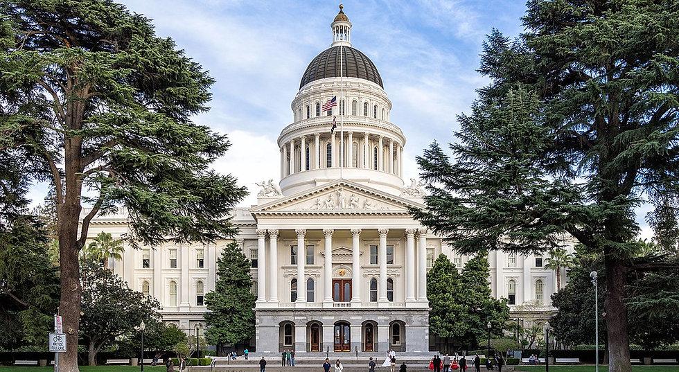 1200px-Sacramento,-California---State-Ca