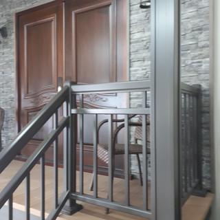 Gardes, Rampes et Colonnes disponibles avec plusieurs fournisseurs de Balco Tech