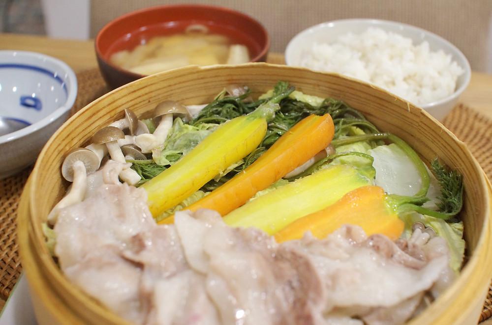 中華蒸篭で蒸し野菜