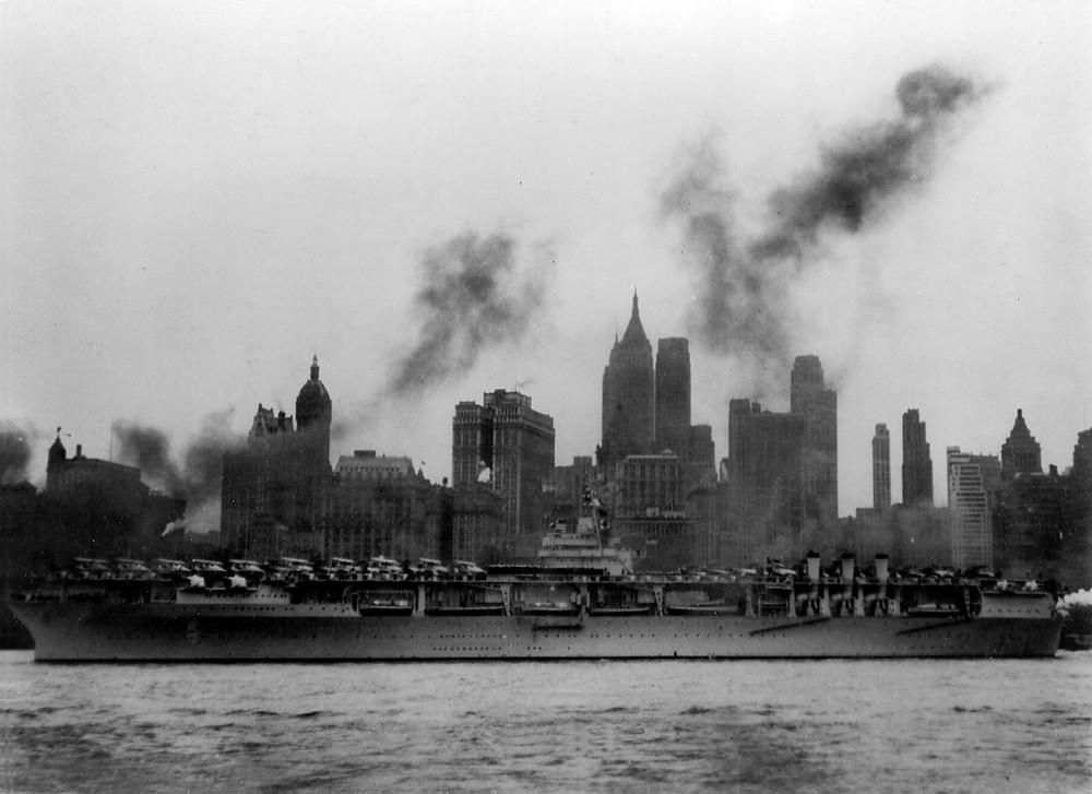 USS_Ranger_CV-4_at_New_York_City_1939.jpg