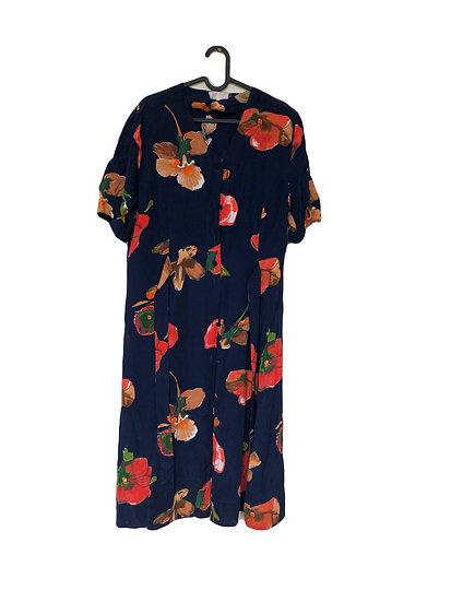 Dunkelblaues Blumenkleid mit Knöpfen und Gürtel