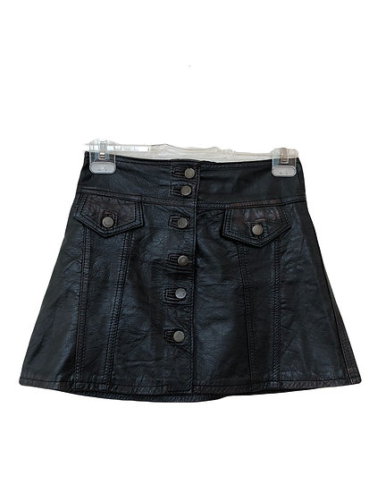 Schwarzer Lederrock mit Seitentaschen
