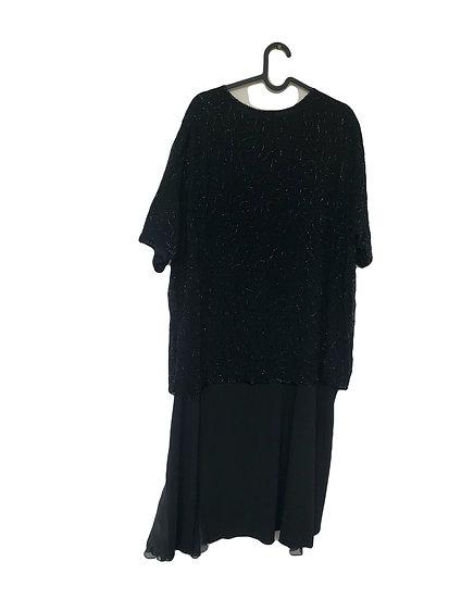 Schwarzes Partykleid mit Perlenstickereien