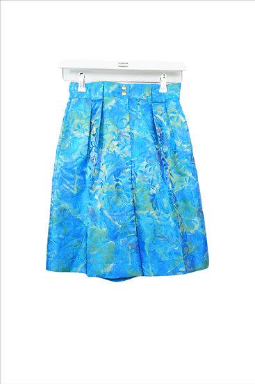 Schöne hellblaue Shorts