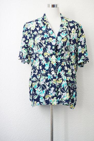 """""""Blumenwiese""""- Dunkelblaue Bluse mit Blumendruck"""