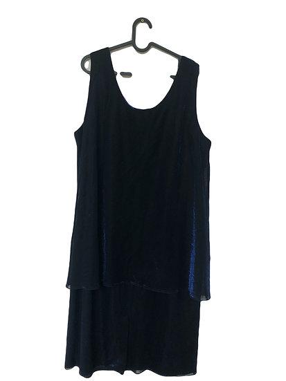 Schwarzes Kleid mit blauem Glitzer
