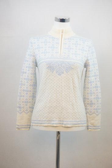 Norweger- Pullover mit blauen Ornamenten