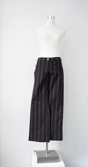 """""""I got stripes"""" - Schwarze Hose mit roten Streifen"""