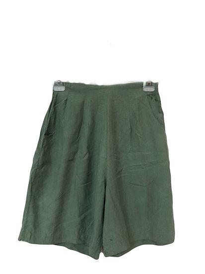 Kurze Olivgrüne Hose mit Taschen