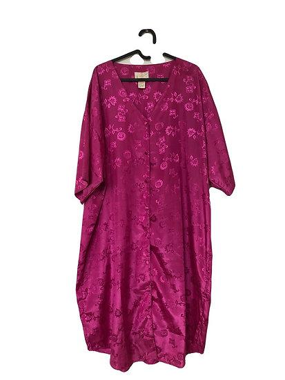 Glänzendes Rosa Kleid