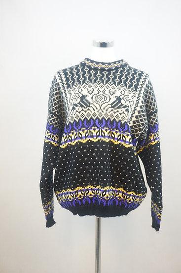 Traditioneller Norwegischer Pullover mit Rentiermotiv
