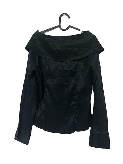 Schwarze Party Bluse mit  Volants und großem Kragen