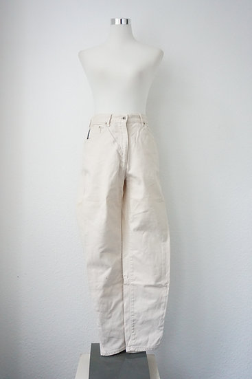 Mom Jeans in Beige