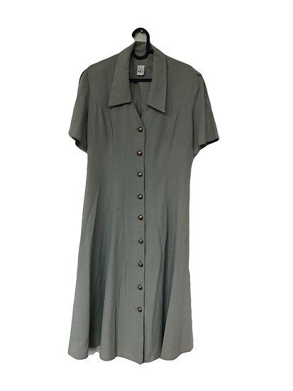 Graues Kleid mit Knöpfen
