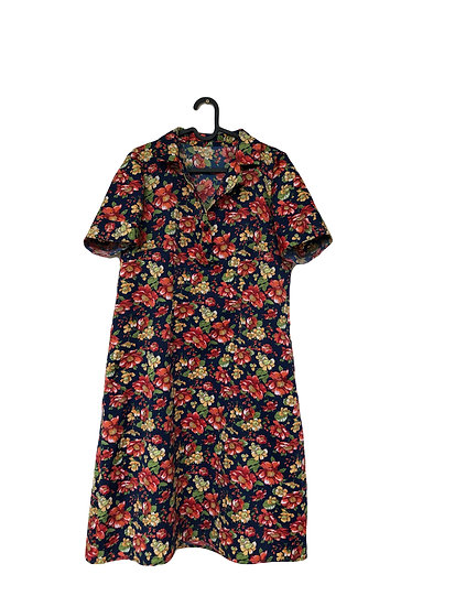 Dunkelblaues Kleid mit Rosendruck
