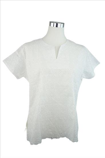 """""""Romantik Girl""""- Weiße Bluse mit Lochstickerei"""