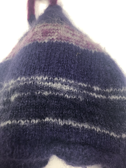 Mütze aus Lamawolle. Lila/rosa/grau. Handarbeit