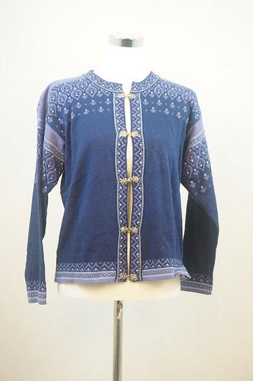 Blauer cardigan im norweger Style  mit violetten Ornamenten