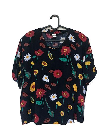 Dunkelblaue Bluse mit bunten Sommerblumen