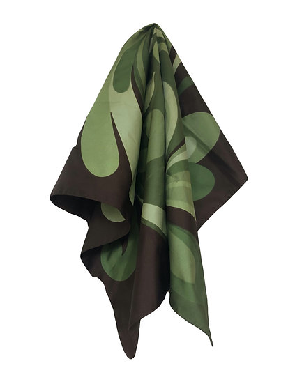 Braunes Tuch mit grünem Muster