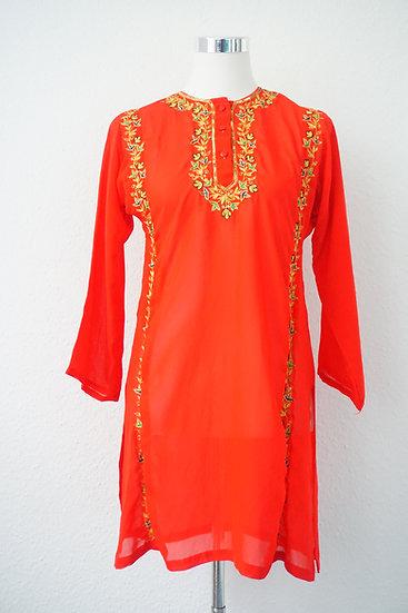 """Bollywood Party"" Rote Bluse mit goldener Blumenverzierung"