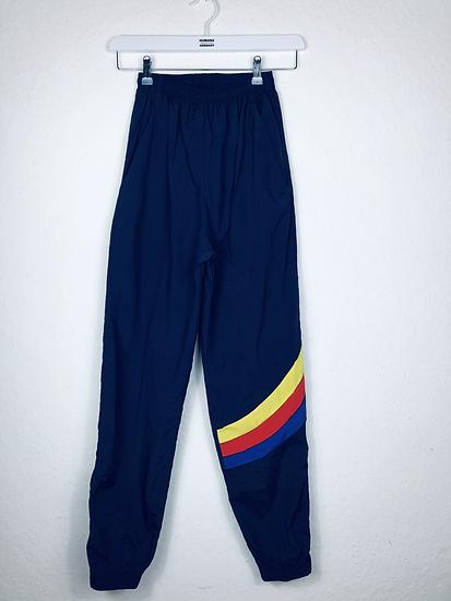 Marine Sporthose mit gelb/rot/blaue Streifen