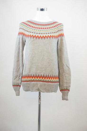 Grauer Pullover im Norweger Style
