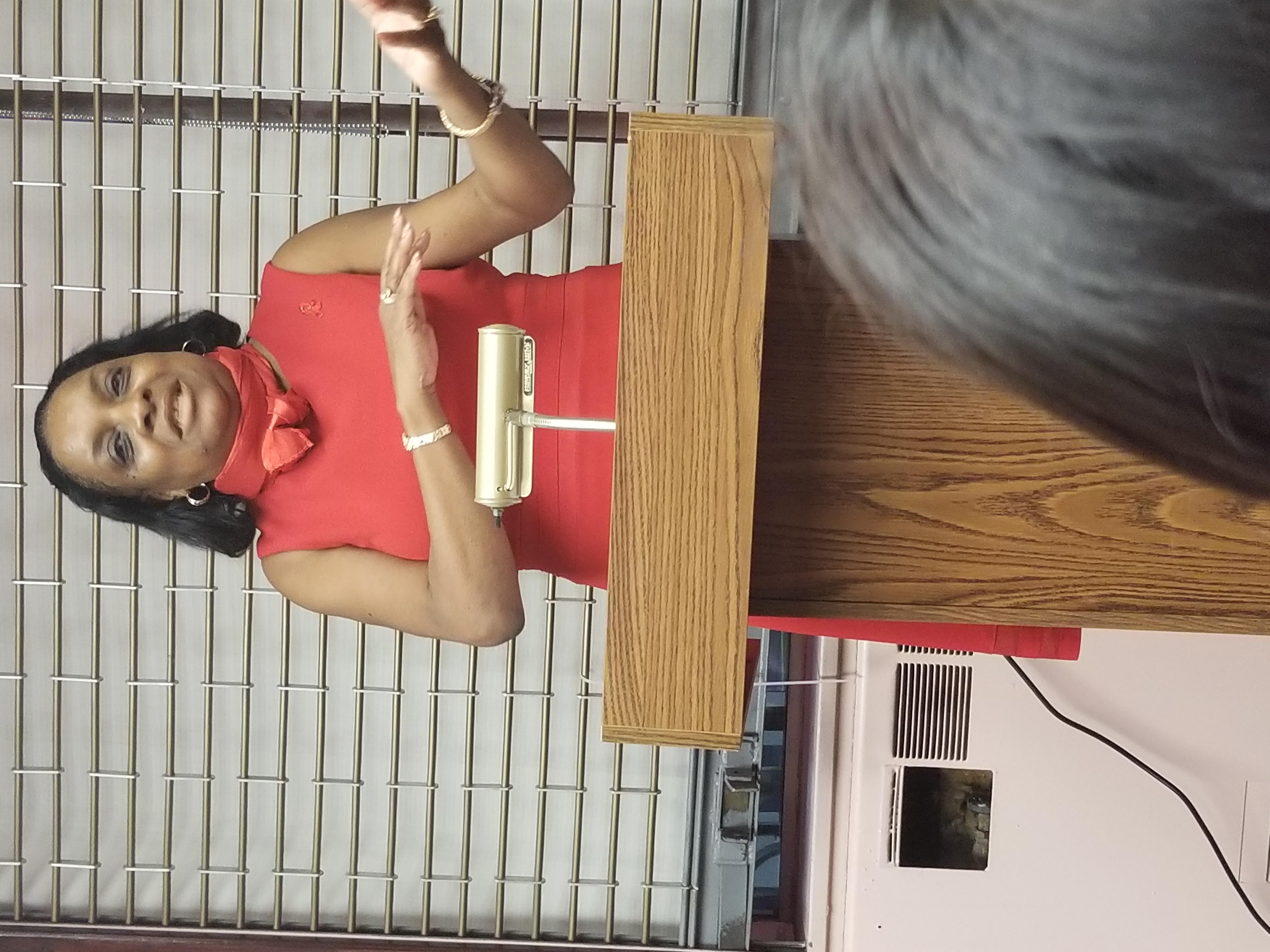 Dee Bailey speaks at Brooklyn Plaza