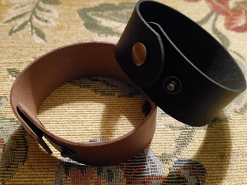 Uplift Faux Leather bracelet